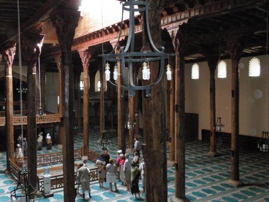 mosquée intérieur bois