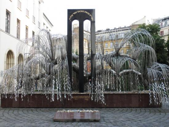 monument extérieur grande synagogue